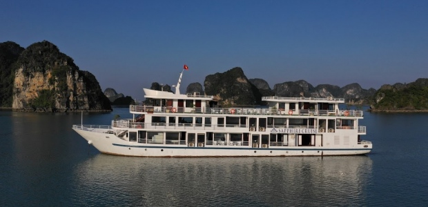 Halong sapphire cruise over view