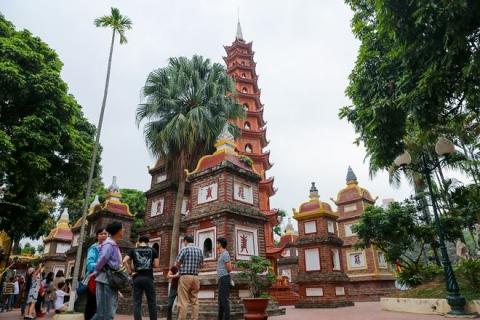 oldest pagoda in Hanoi city- Tran quoc pagoda